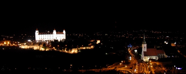 bratislava_at_night_vol_2__by_itsdrivingmecrazy-d5ffvdg